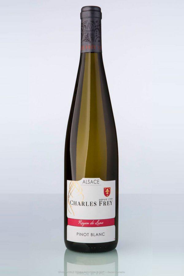 bouteille de vin d'Alsace Pinot blanc Charles Frey