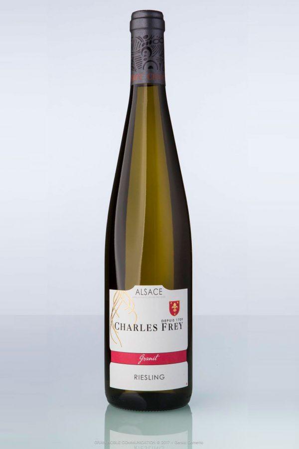 bouteille de vin d'Alsace Riesling Charles Frey