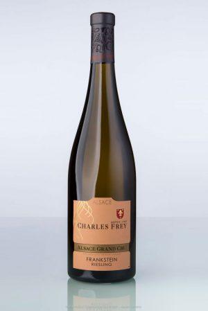 bouteille de vin d'Alsace Riesling Grand cru Frankstein Charles Frey